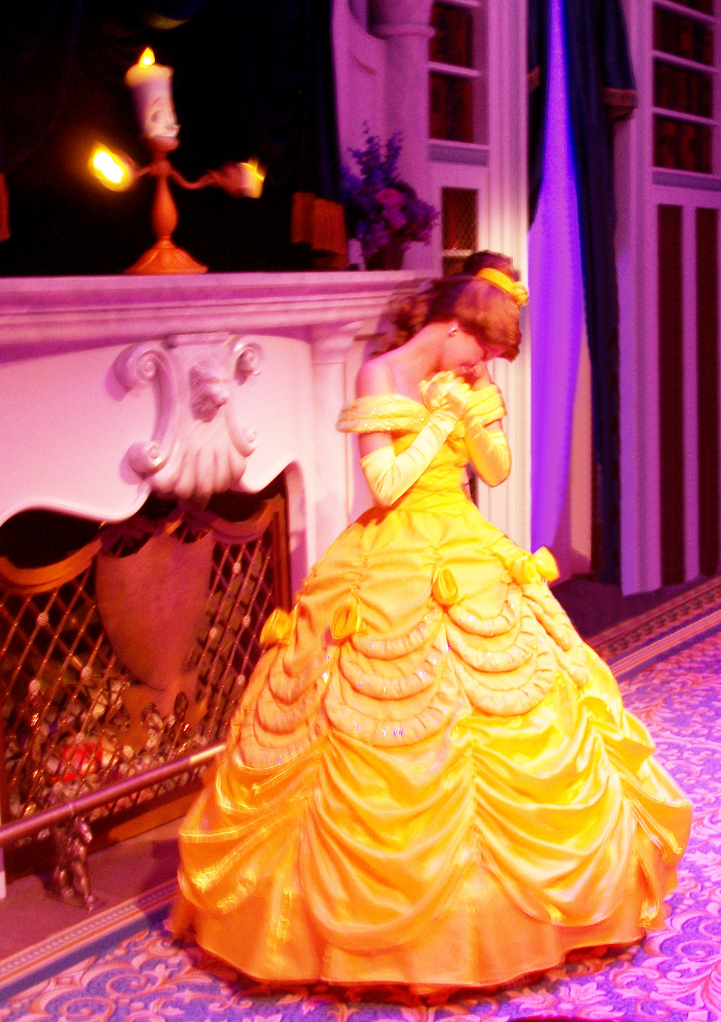 Enchanted Tales with Belle - Disney Magic Kingdom