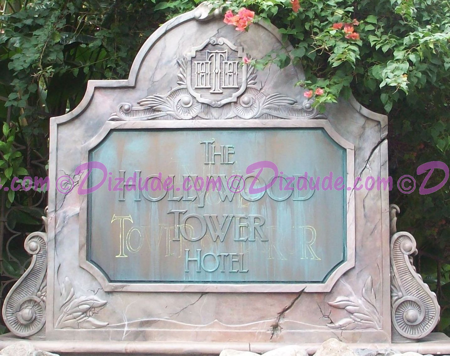 Hollywood Tower Hotel entrance