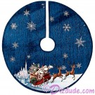 "Disney Turn of the Century Mickey and Minnie Kissing 48"" (122 cm) Christmas Tree Skirt © Dizdude.com"