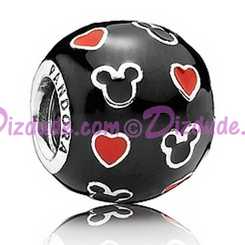 """(Sold Out) Disney Pandora """"Mickey And Hearts"""" Sterling Silver Charm"""