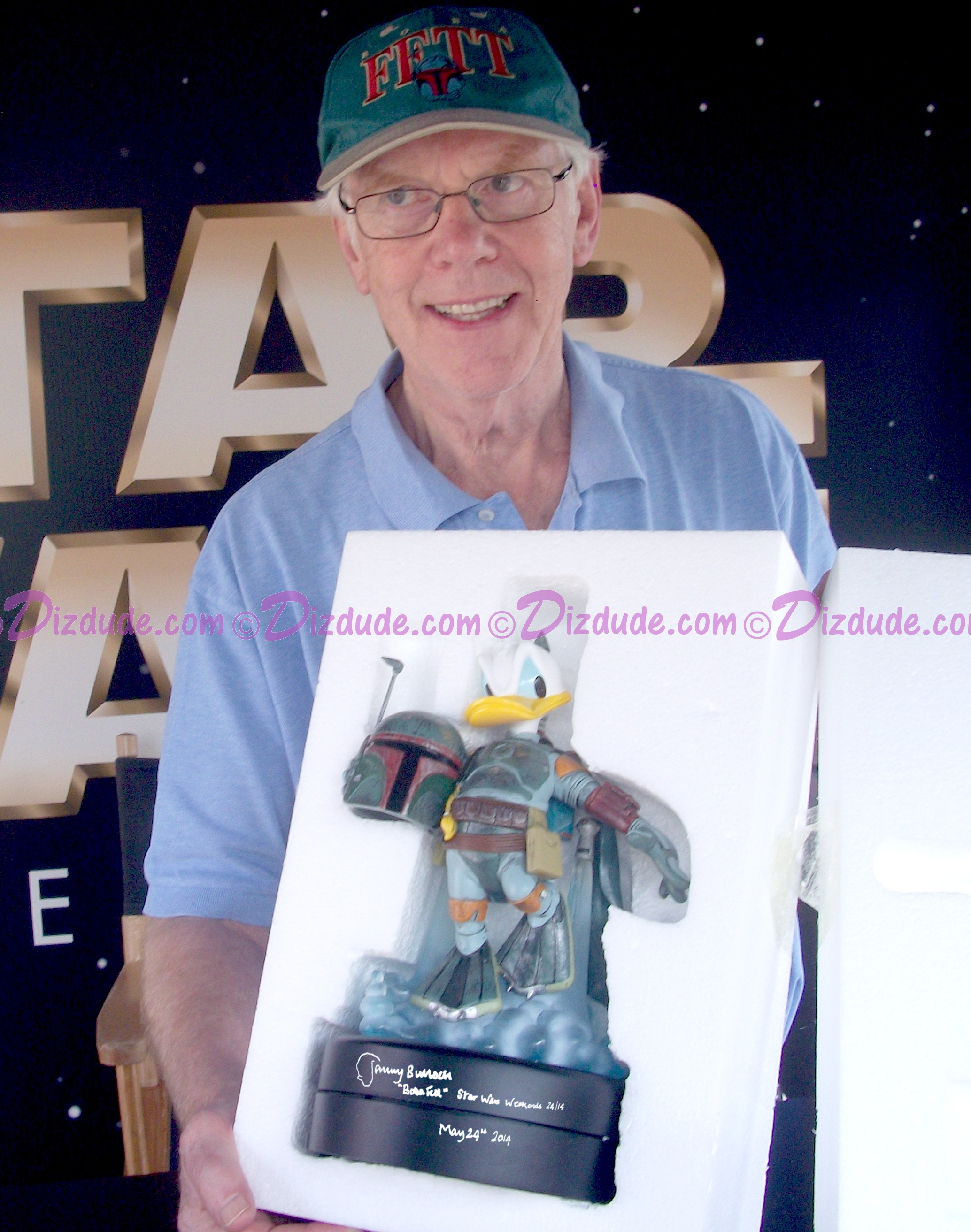 Jeremy Bullock the Star Wars actor who played Boba Fett Holding After Autographing the Donald as Boba Fett Medium Big Fig you will recieve this photo ~ © Dizdude.com